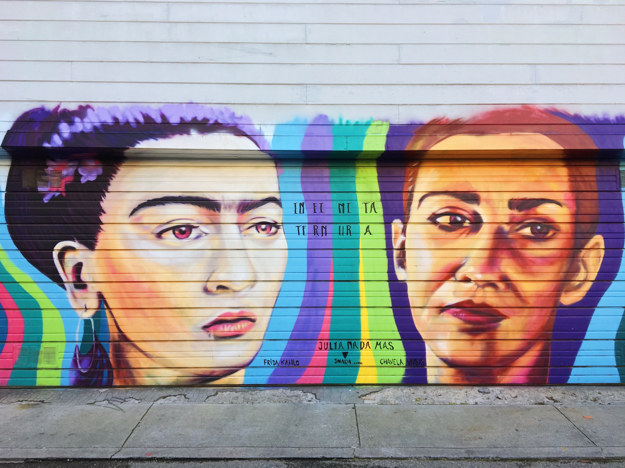 I murales di Mission a San Francisco - Infinita Ternura (2014) - Artist, Julia Nada - Location, Lucky St & 25th St, Mission