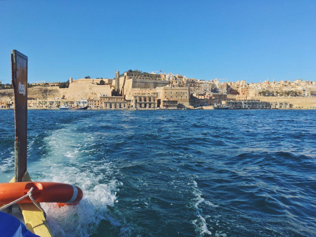 In barca da Valletta a Vittoriosa e ritorno