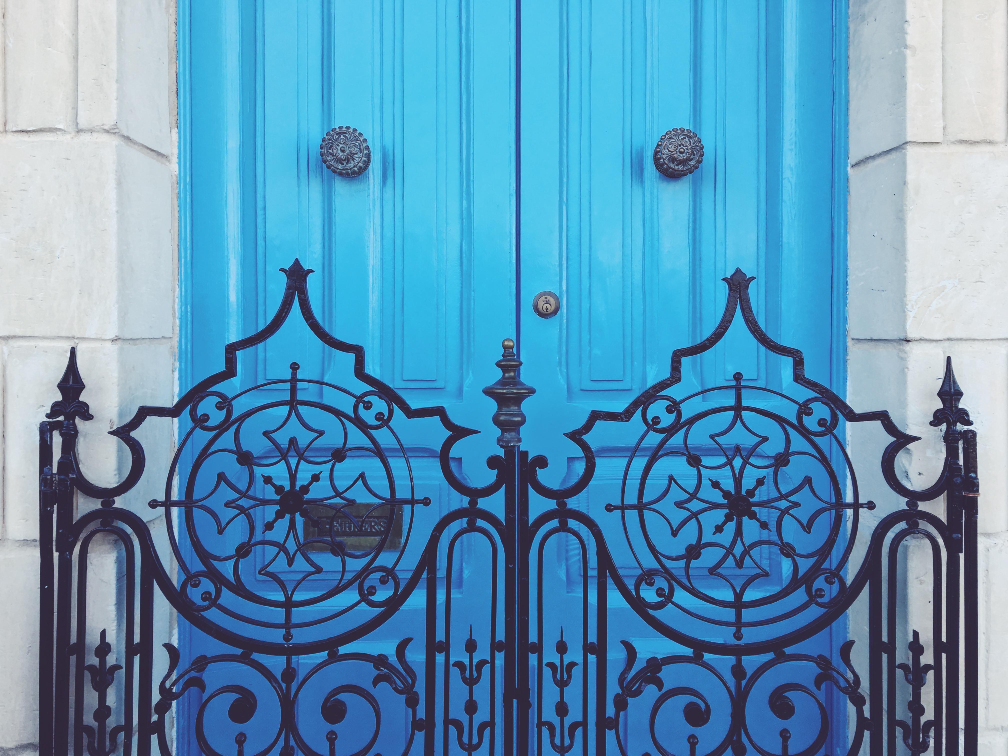 Le porte colorate di malta