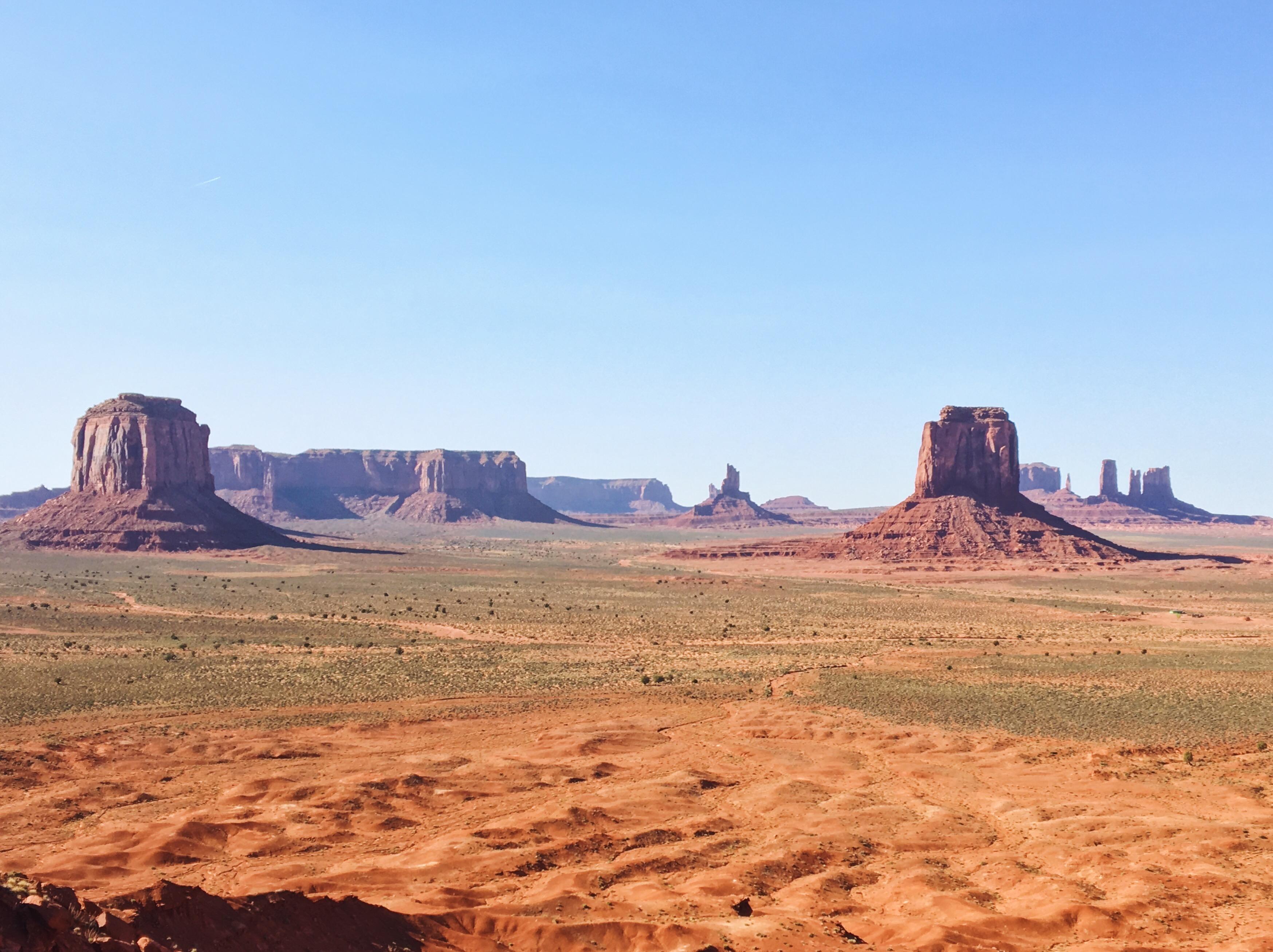 Il panorama stupendo della Scenic Drive della della Monument Valley