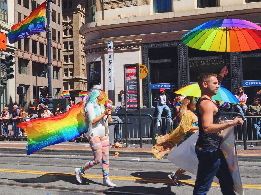 Ali arcobaleno - L'evento migliore di San Francisco - la LGBTQ Pride Parade