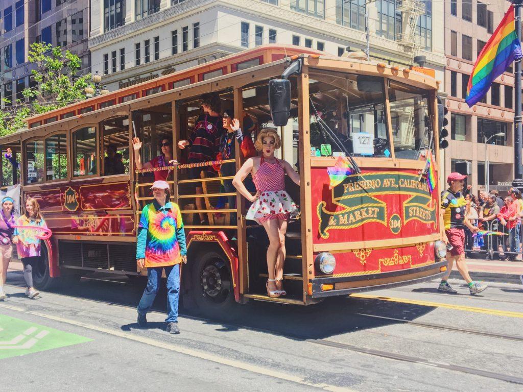 Cable car - L'evento migliore di San Francisco - la LGBTQ Pride Parade