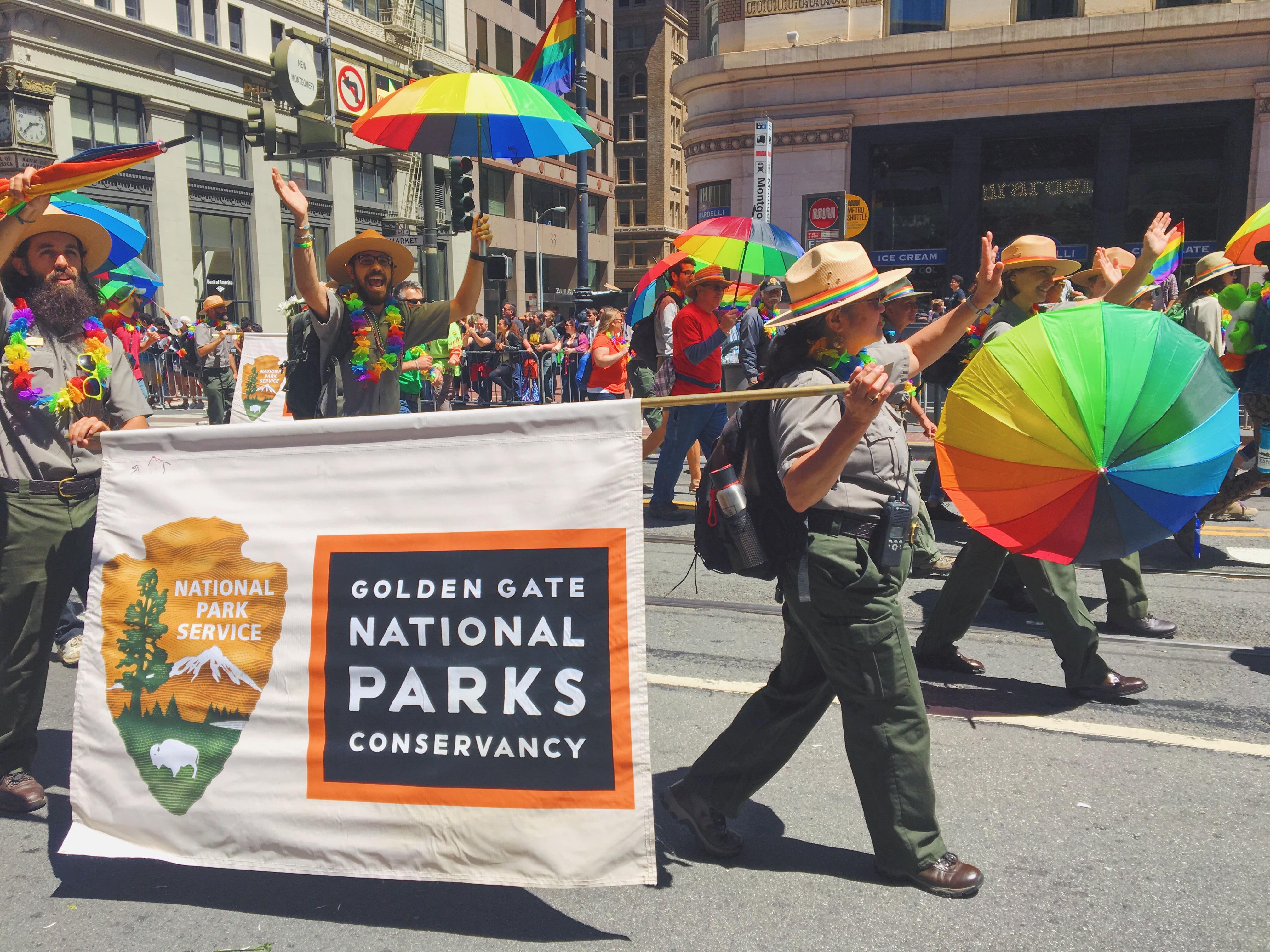 I ranger dei parchi nazionali - L'evento migliore di San Francisco - la LGBTQ Pride Parade