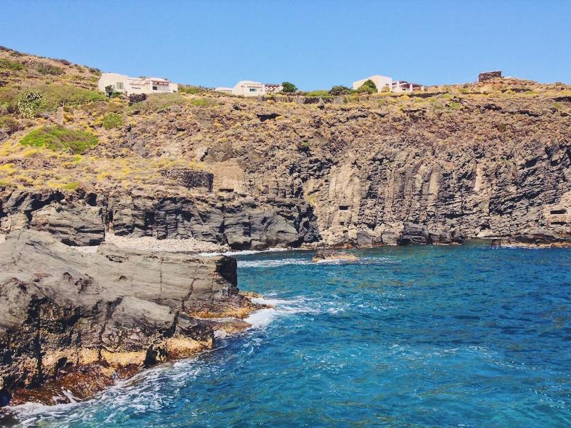 Il posto migliore dove dormire a Pantelleria - un dammuso sul mare a Pantelleria