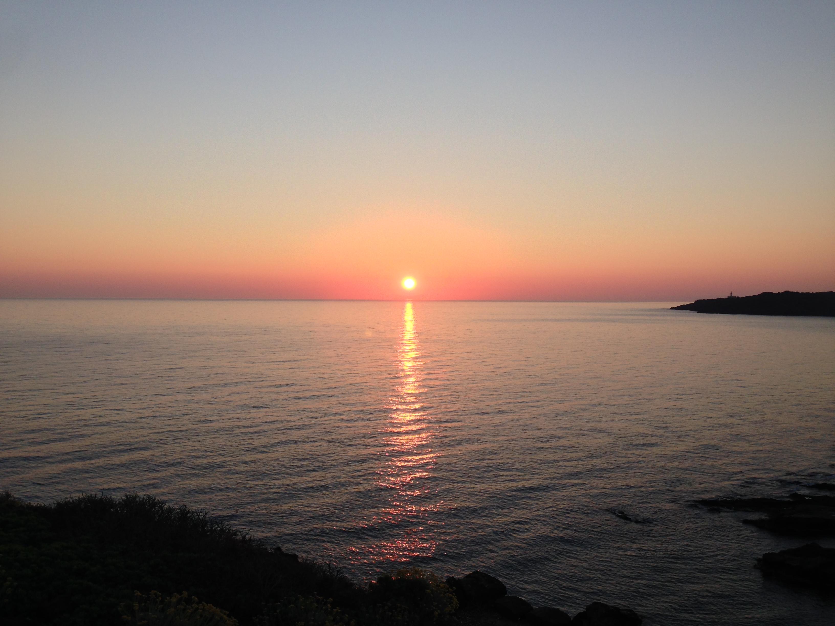 L'alba rossa sul mare a Pantelleria -Dammusi Le Case del Principe