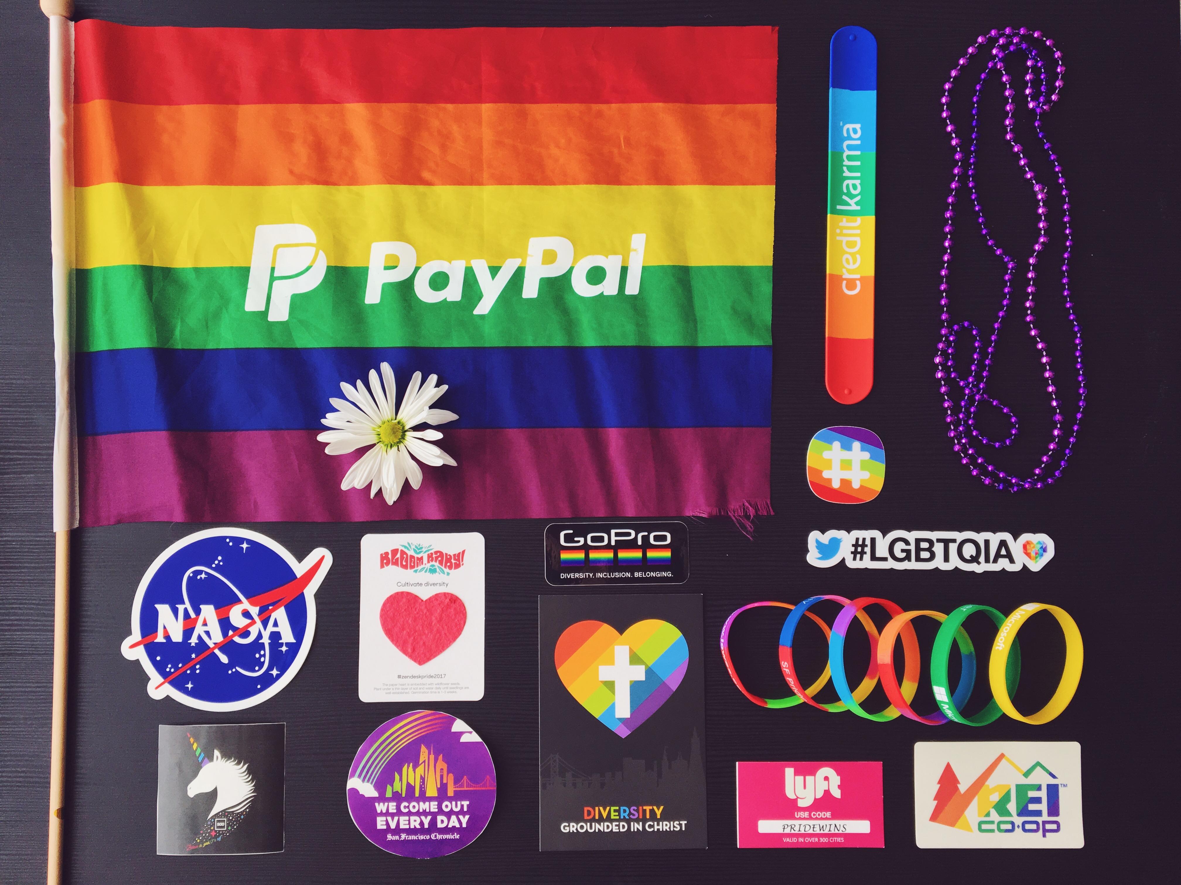 Pride swag - L'evento migliore di San Francisco - la LGBTQ Pride Parade.JPG