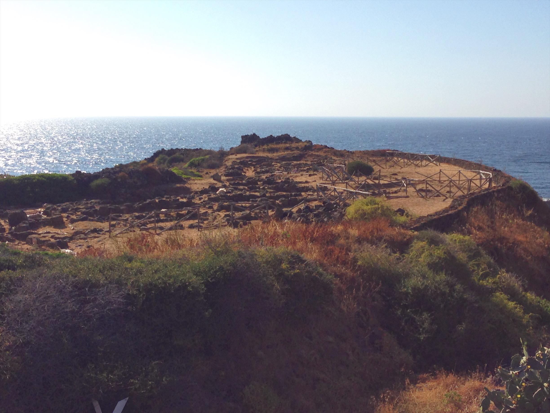 Resti archeologici a Pantelleria - Le tracce dei Sesi e il muro ciclopico - Cosa vedere (e cosa assaggiare!) in una settimana a Pantelleria