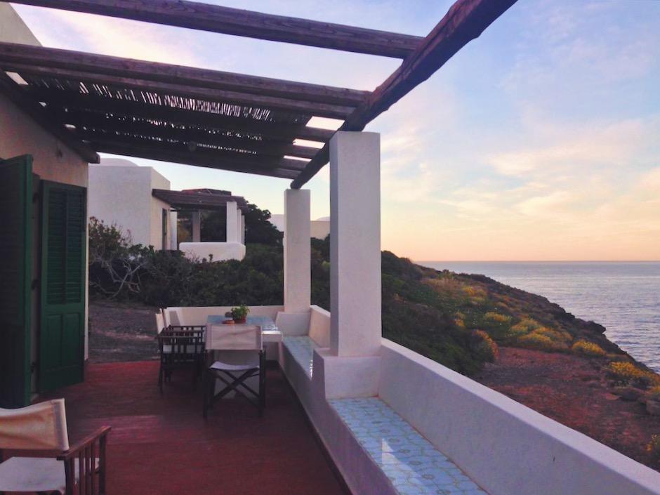 Terrazza sul mare - dove dormire in un dammuso sul mare a Pantelleria