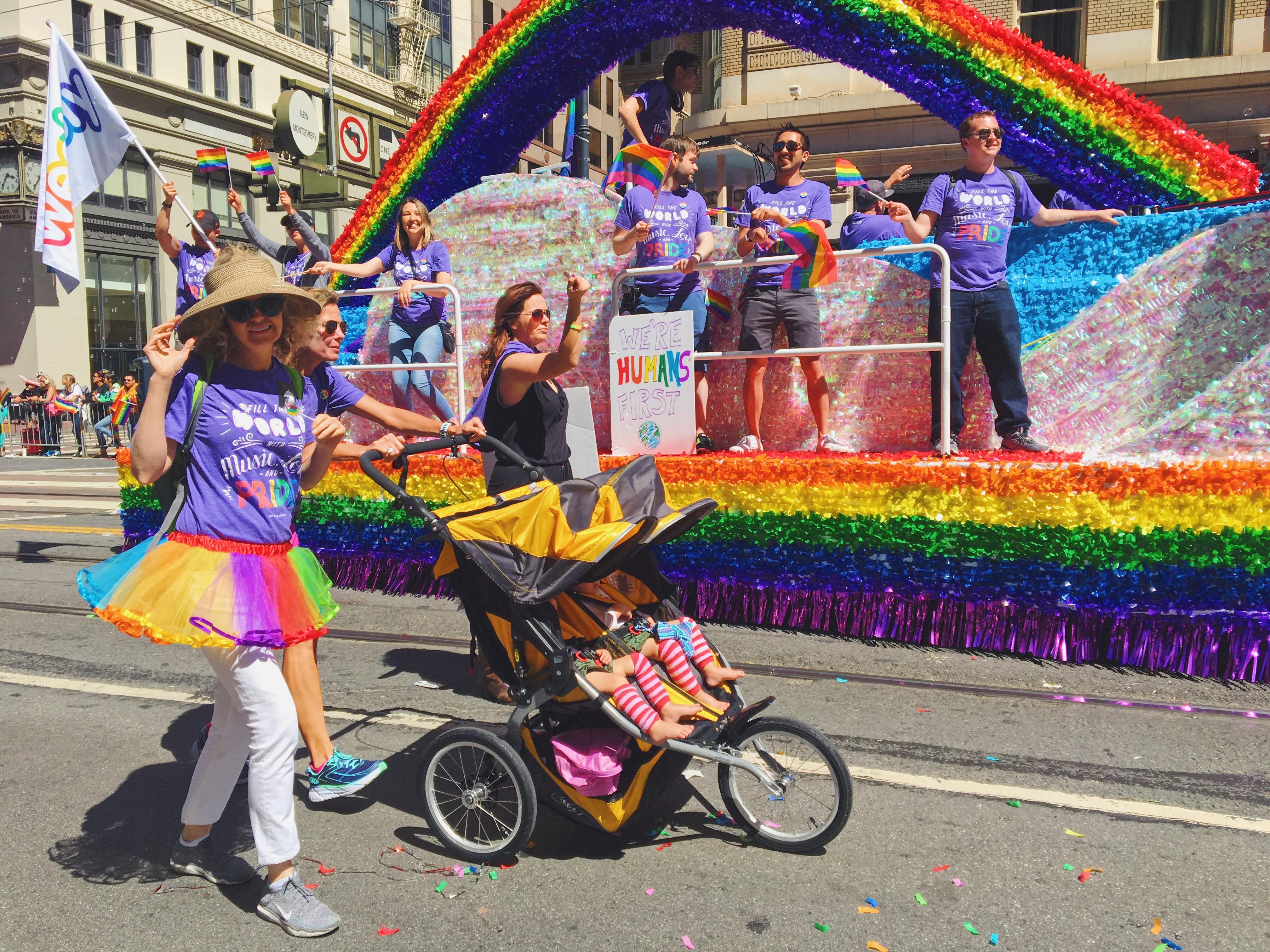 We're humans first- L'evento migliore di San Francisco - la LGBTQ Pride Parade