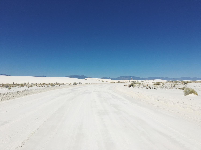 White Sands deserto di sabbia bianca - New Mexico - in auto