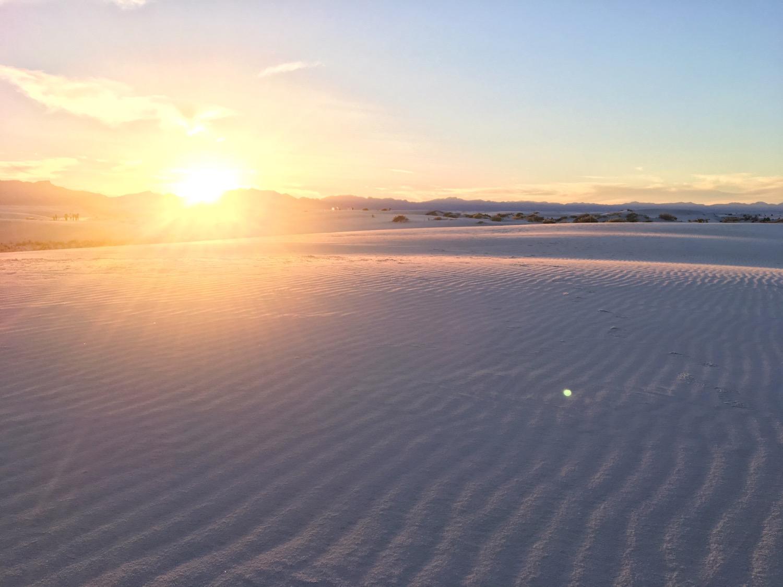 White Sands deserto di sabbia bianca - New Mexico - tramonto sulle dune